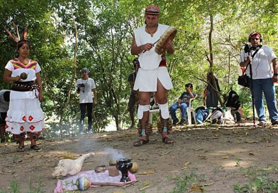 Dam protesters hold a ritual to safeguard the river.