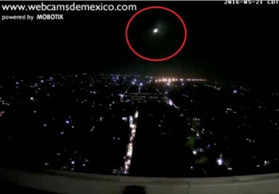 Camera in Mexico City picks up an object entering the atmosphere