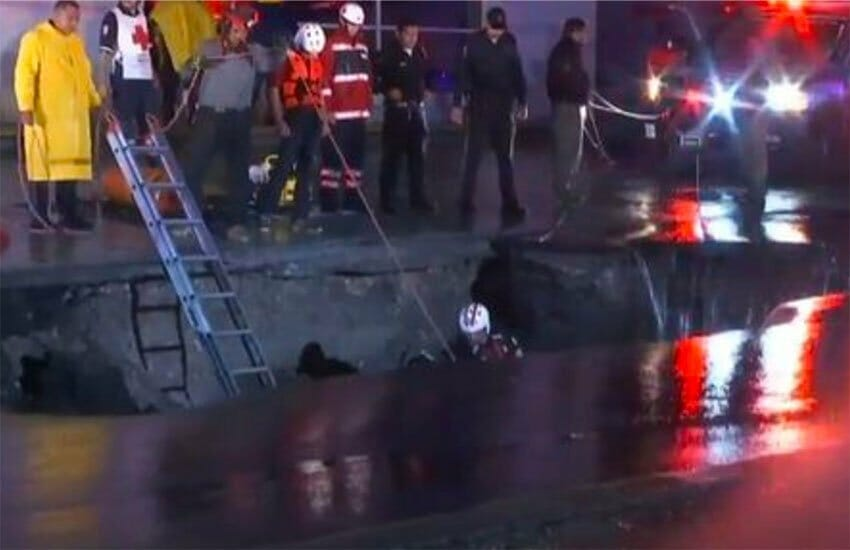 Sinkhole in Monterrey early this morning.