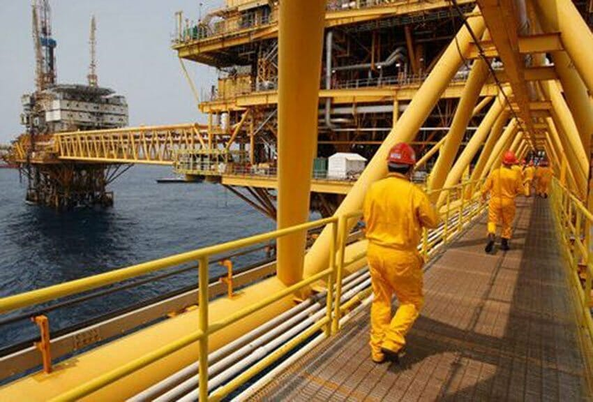 Pemex drilling platforms have become a target for ocean-going huachicoleros.