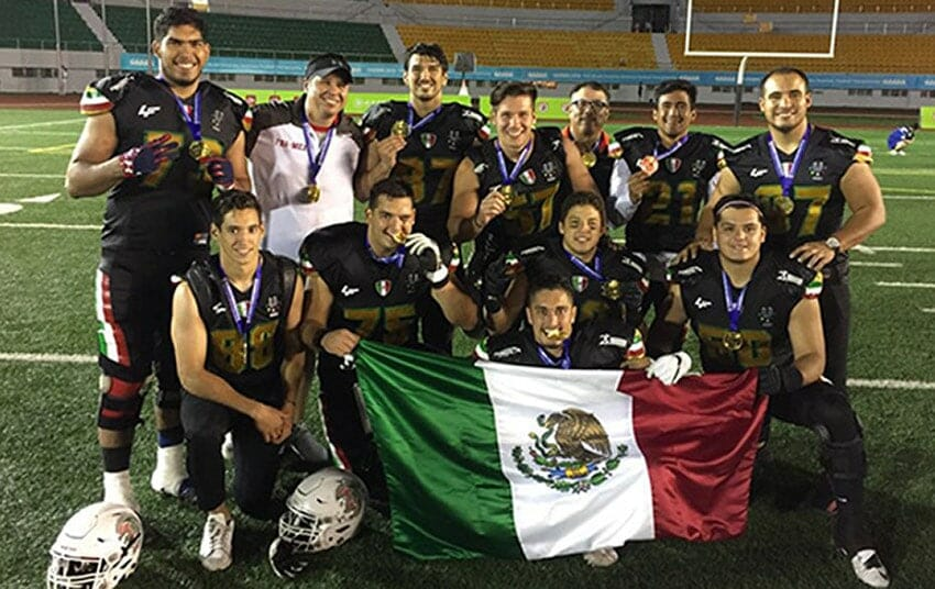 The Mexico team, three-time winners.