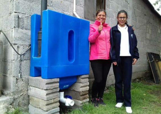 Happy homeowners of a Tlaloque installed in Xochimilco.