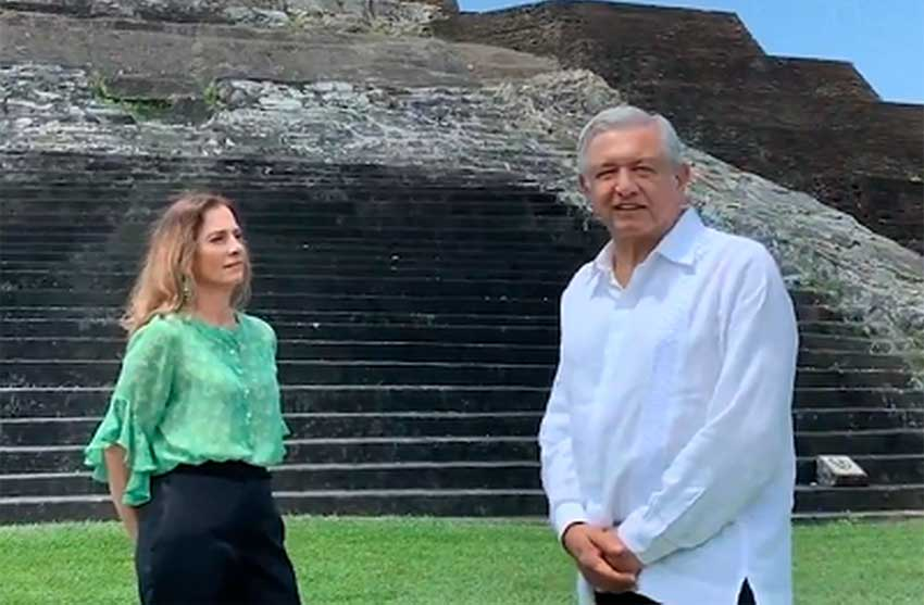 López Obrador and his wife, Beatriz Gutiérrrez, recorded today's video message at the Mayan archaeological site at Comacalco, Tabasco.