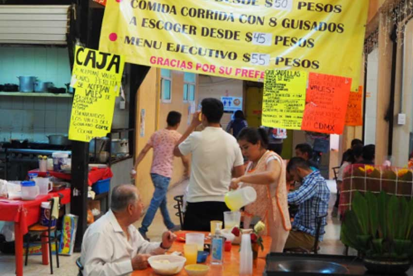 La Perlita has the best flautas in the market and you can pay with gasoline vouchers.