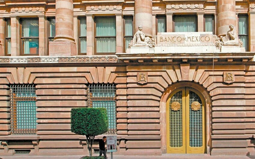 Bank of México sees the possibility of a light recession