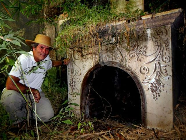 Author Jorge Varela investigating the old crushing mill.
