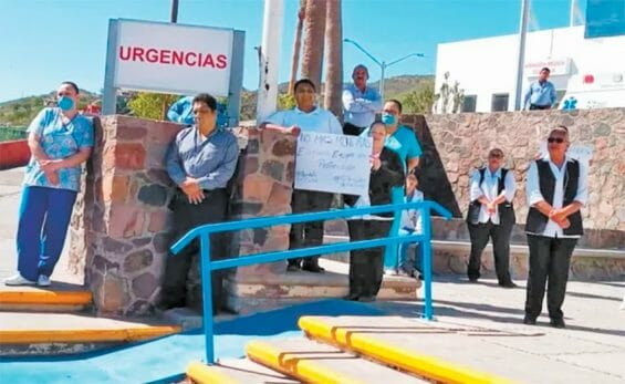 Hospital staff protest shortages in Mulegé.