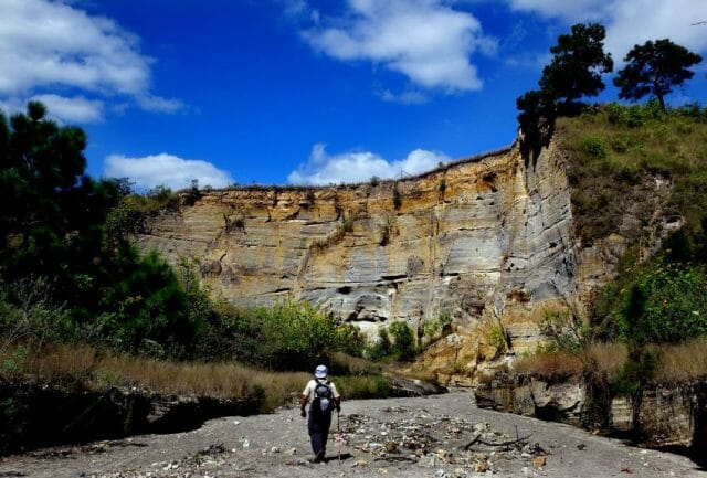 A canyon wall reveals the deep layer of pumice and ash found in many parts of Jalisco.