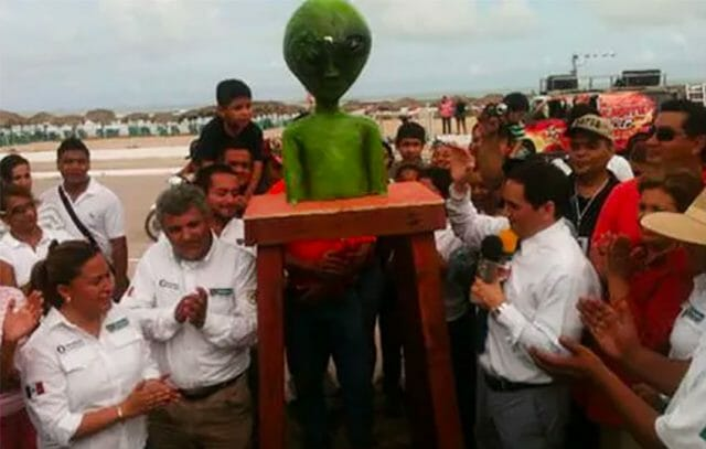 Authorities in Ciudad Madero, Tamaulipas, erected a statue of a martian at Miramar Beach in 2013.