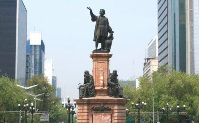The offending statue of Christopher Columbus.