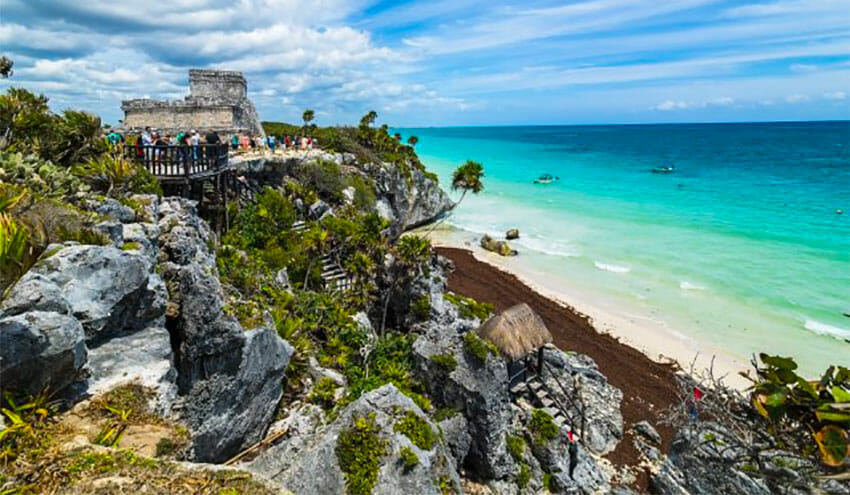 Tulum's new airport will not be competition for Cancún, president insists.