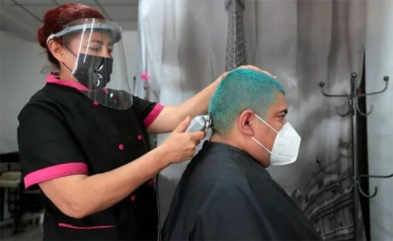 """A hair salon in Mexico City in the """"new normal""""."""
