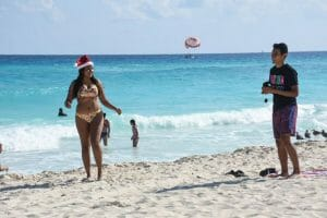 Beaches in Cancún and other tourist destinations throughout Mexico welcomed thousands of visitors