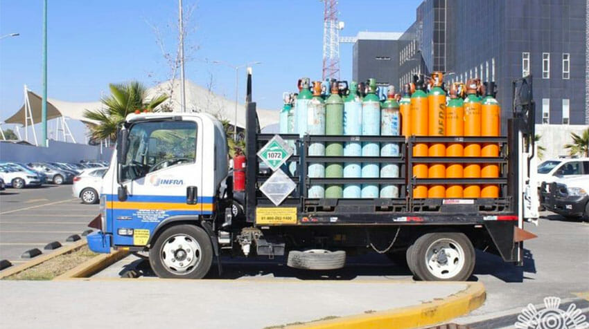 Police in Puebla recovered this truck and its cargo of oxygen after it was stolen.