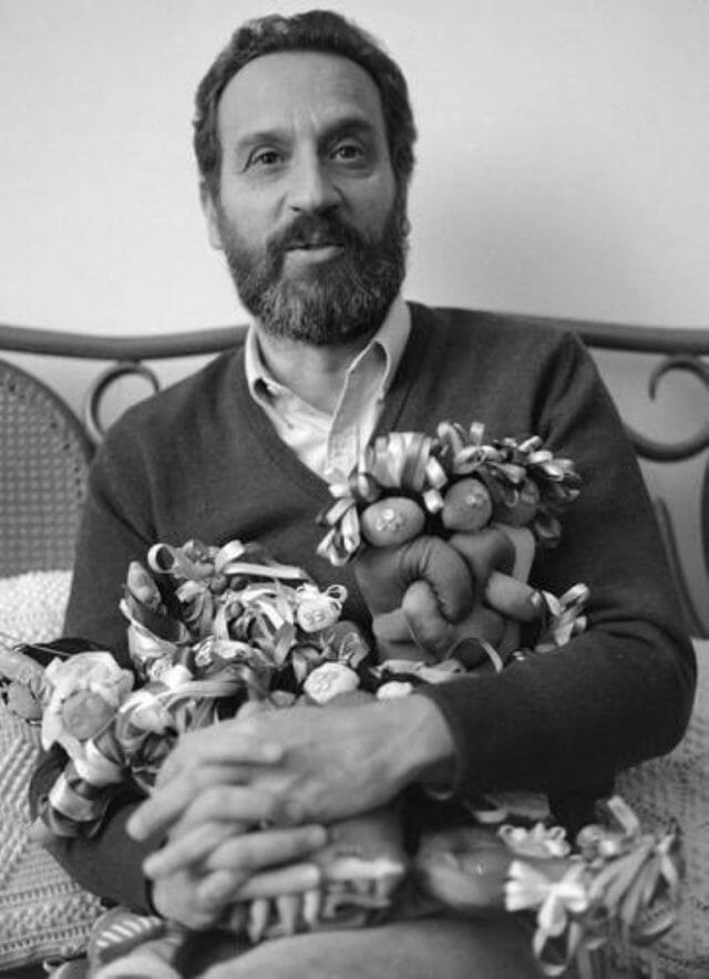 Vicente Rojo with some of the 1985 earthquake dolls.