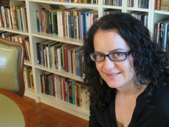 Carolyn Wolfenzon's new book discusses the use of ghosts by many contemporary Mexican authors.