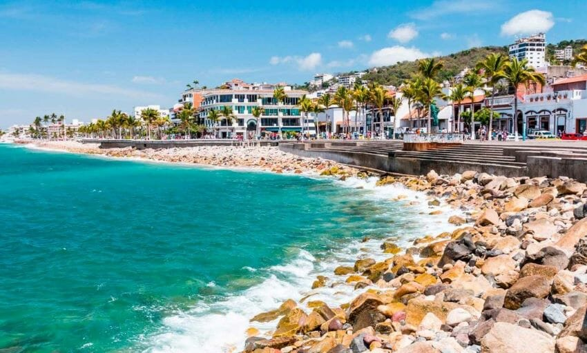 Puerto Vallarta is an international tourism destination that would fit Minister Clouthier's criteria for full vaccination of residents.