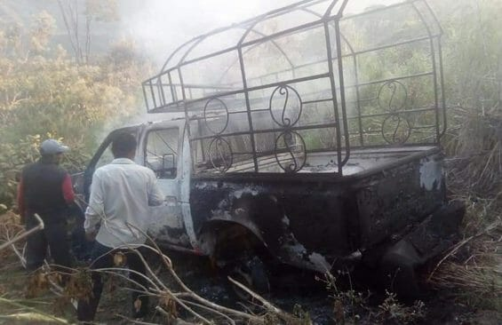 The remains of a burned-out truck driven by Chilón, Chiapas, mayoral candidate Pedro Gutiérrez.