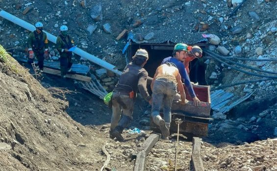 Rescue workers at the mine in Múzquiz.