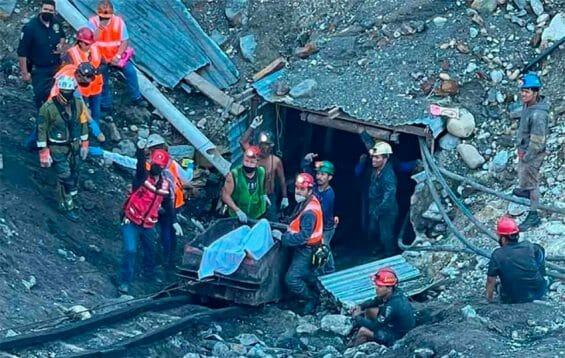 Bodies of trapped miners are removed from the mine in Múzquiz.