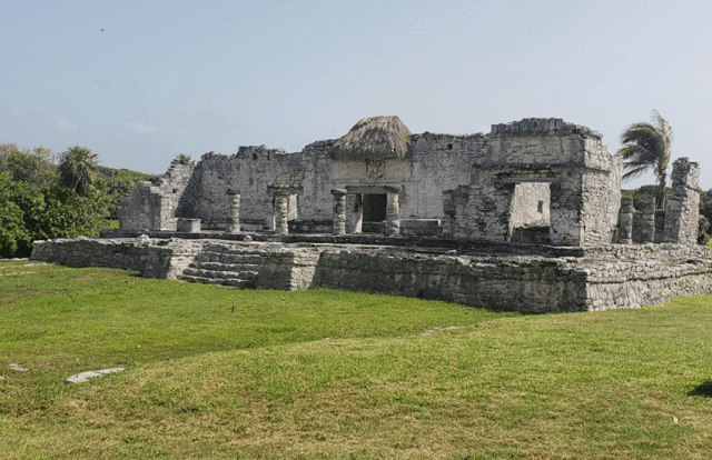 Tulum ruins - The Palace of the Great Lord