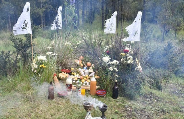 Offerings to spirits during a Canicula ritual