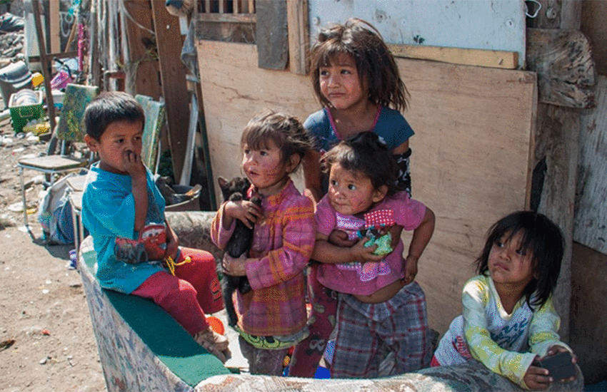 Mexican children in poverty