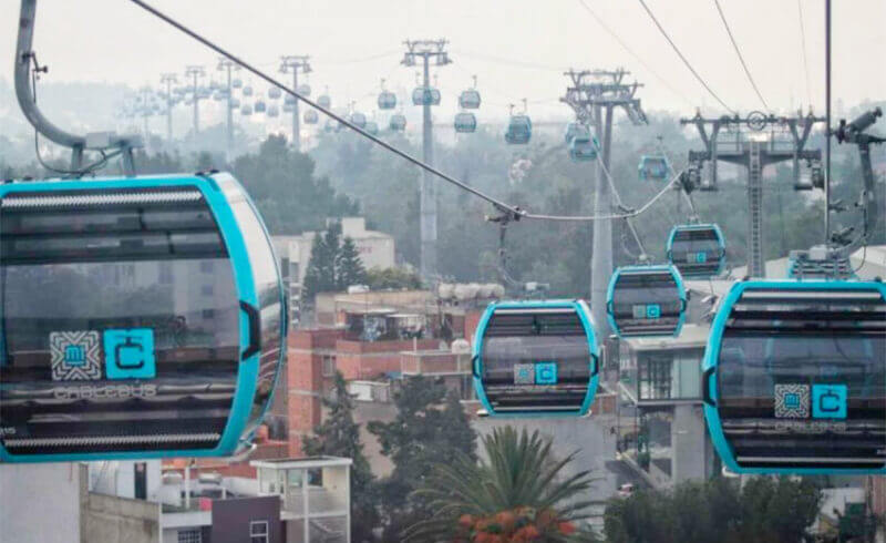Cable cars were out of commission for an hour on Sunday.