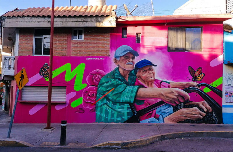 Elderly couple Raul and Imelda inspired the artist known as Sr. Mickrone to create this mural near their home in Iztapalapa.