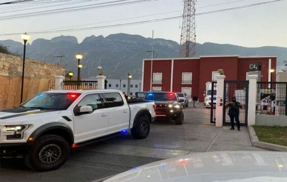 Part of the operation to arrest seven municipal police officers from San Pedro Garza García.