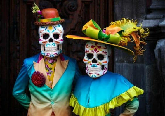 The catrinas are preparing for the Day of the Dead in Mexico City.